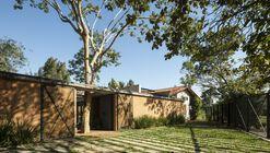 Casa no Bosque / Oficina X
