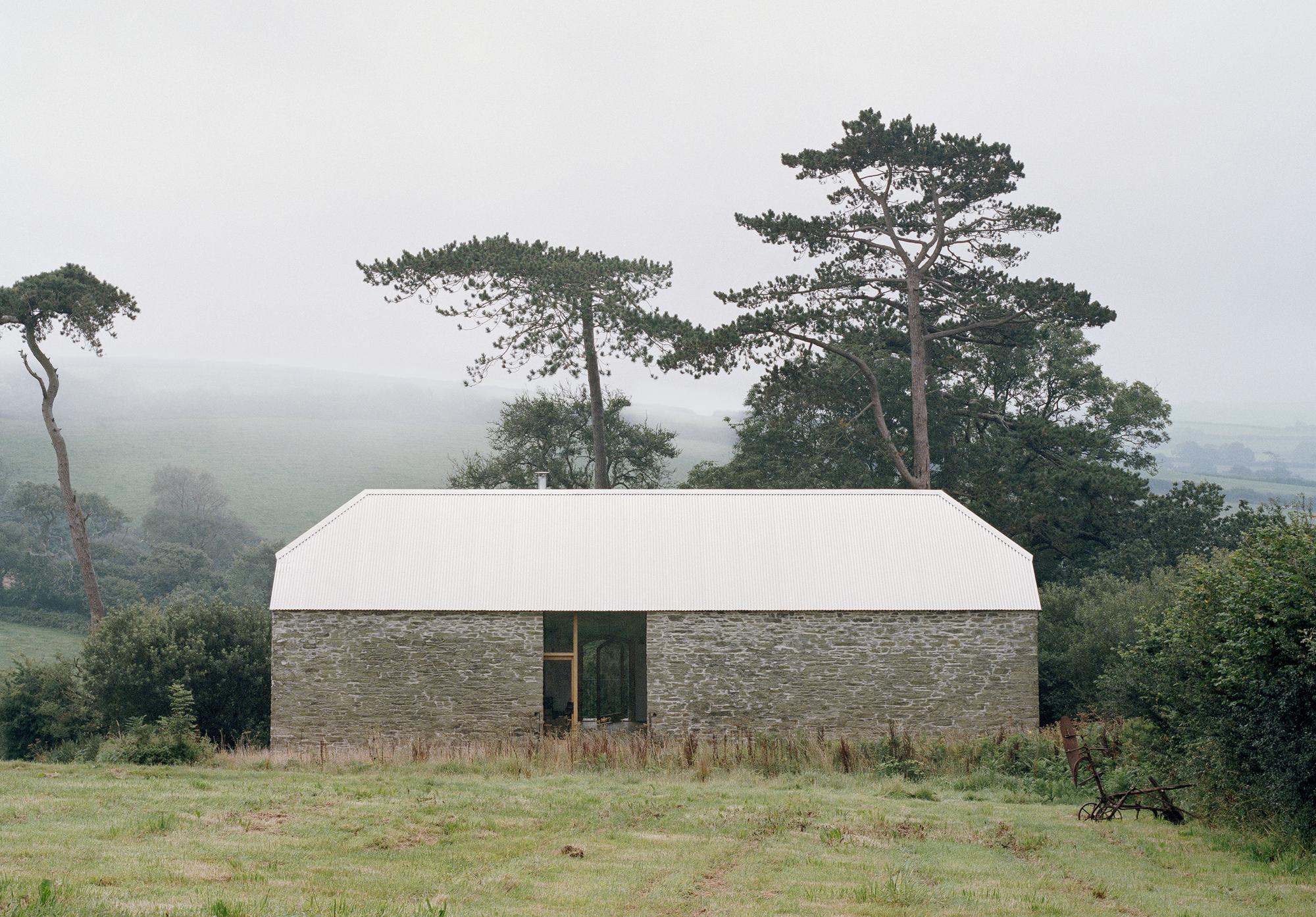 Redhill Barn / TYPE