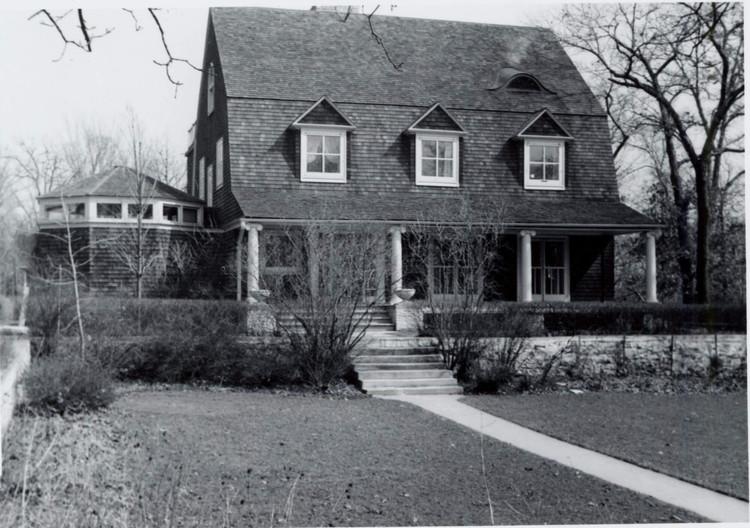 Историческое изображение дома Фредерика Бэгли в Хинсдейле, штат Иллинойс.  .  Изображение предоставлено Gilman Lane / Предоставлено специальными коллекциями публичной библиотеки Oak Park