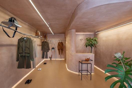 Misci Store / Babbie Arquitetura e Interiores + Airon Martin. Image © André Klotz