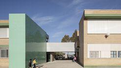 Pasarela de comunicación en el colegio San Agustín / PALENZVELA. Taller de Arquitectura