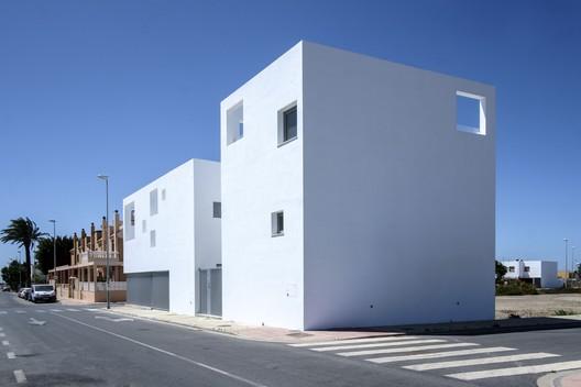 Casas Costacabana / med.arquitectos