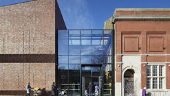 Plumstead Centre / Hawkins\Brown