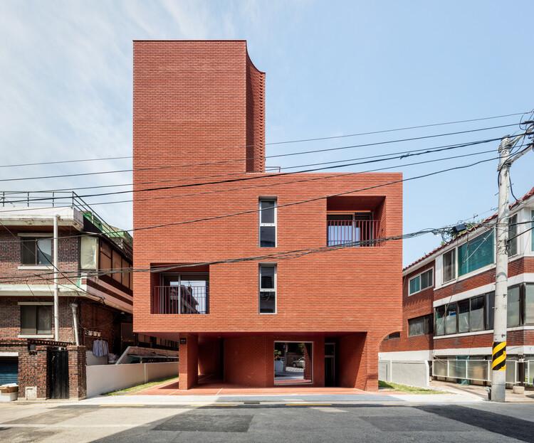 Edifício MOTTAGI 99 / AGIT STUDIO, © Kyungsub Shin