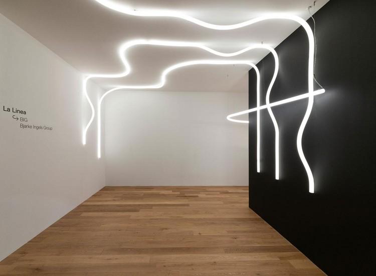 11 muebles e iluminación diseñados por arquitectos exhibidos en el Salone del Mobile 2021, La Linea. Image Courtesy of Artemide