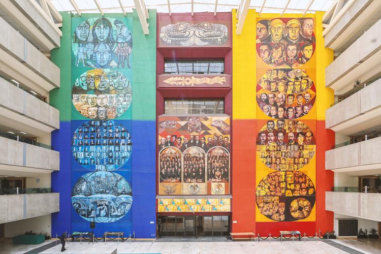 """Un recorrido virtual por el Palacio Legislativo de San Lázaro del arquitecto Pedro Ramírez Vázquez, Mural """"La historia del pueblo mexicano"""" Guillermo Ceniceros. Image Cortesía de Museo Legislativo"""