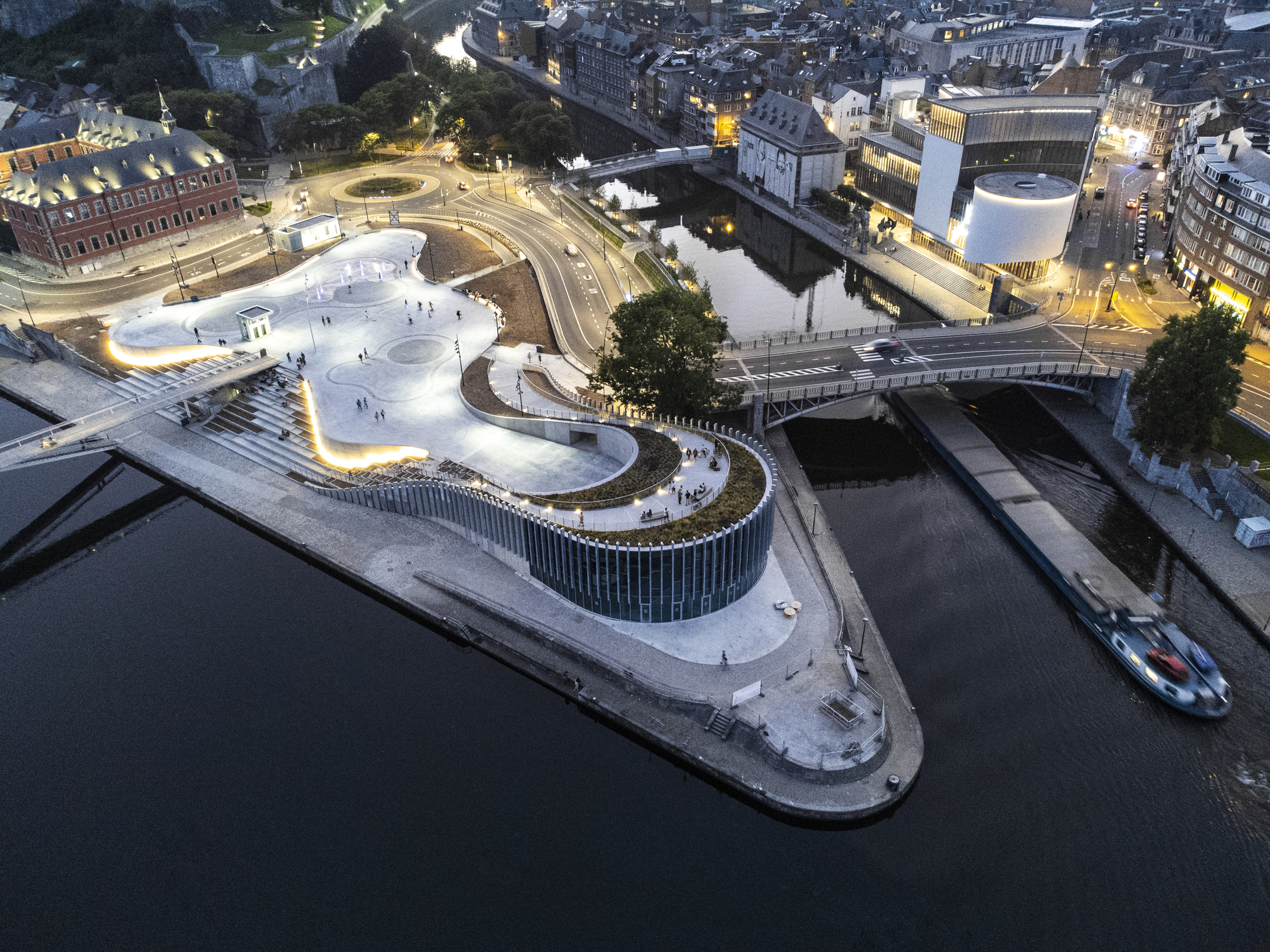 3XN Completes Organically-Shaped Exhibition Space in Belgium