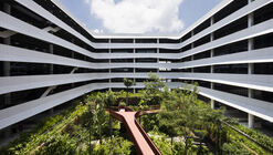 Concrete Waves / G8A Architecture & Urban Planning