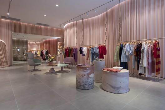 Loja Namari Multibrand / Retail Design LAB