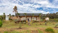 Garden House / Al Borde