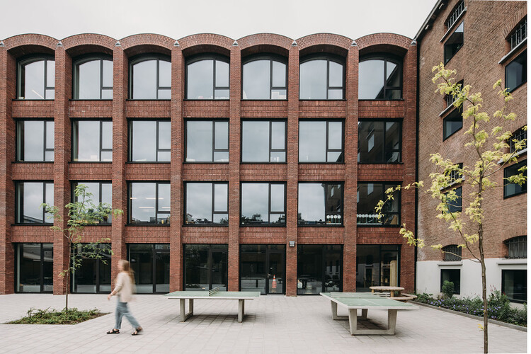 The British School of Amsterdam / Atelier PRO architects, © Eva Bloem