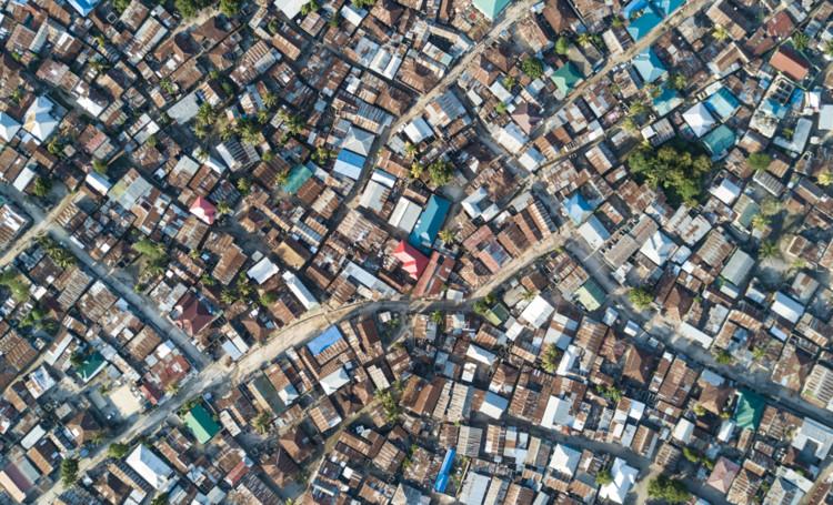 Микочени в Дар-эс-Саламе.  Изображение © Джонни Миллер
