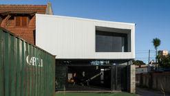 Gimnasio Isla / Albina Rossini Arquitectos