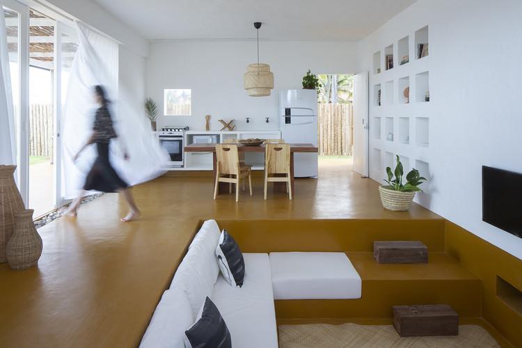 10 casas con sofás integrados en la arquitectura, © Andre Klotz