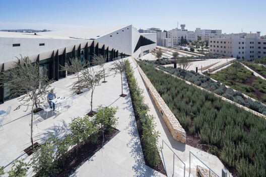 The Palestinian Museum by heneghan peng architects. Image © Iwan Baan