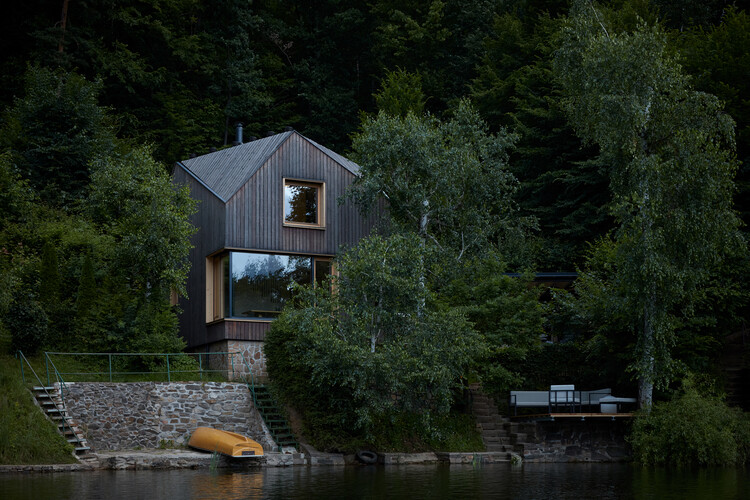 Cottage Inspired by a Ship Cabin / Prodesi   Domesi, © BoysPlayNice