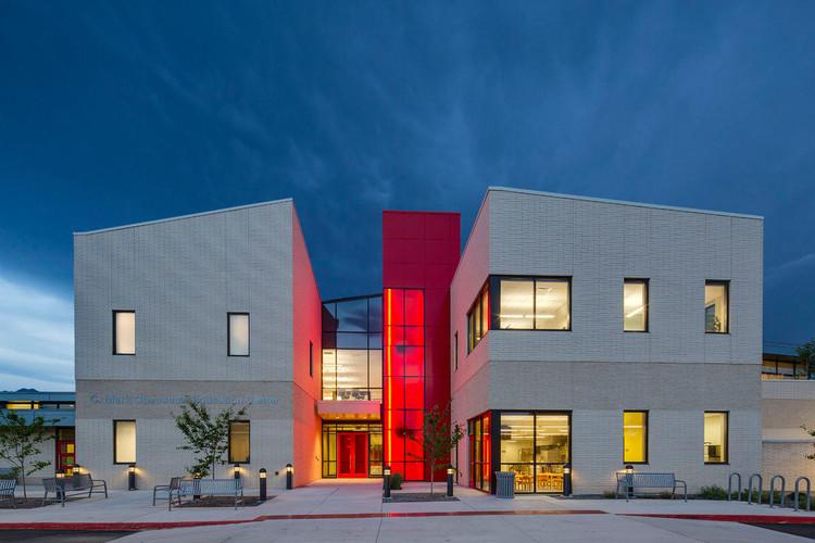 Школы для глухих и слепых штата Юта, Солт-Лейк-Сити, США.  Изображение © Jacoby Architects