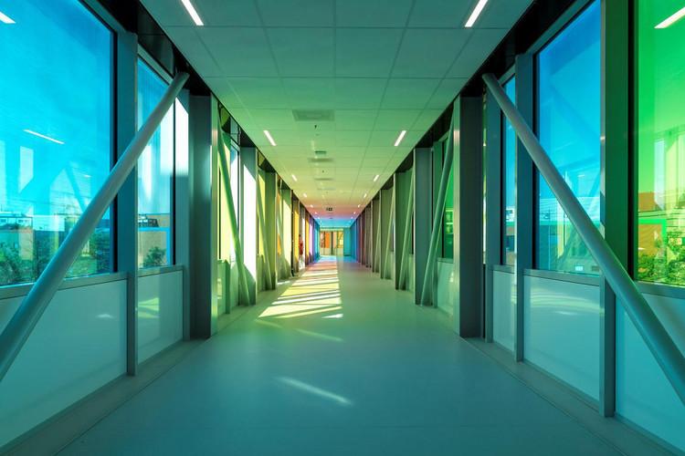Центр детской онкологии принцессы Максимы / архитекторы + инженеры LIAG.  Изображение © Christiaan de Bruijne