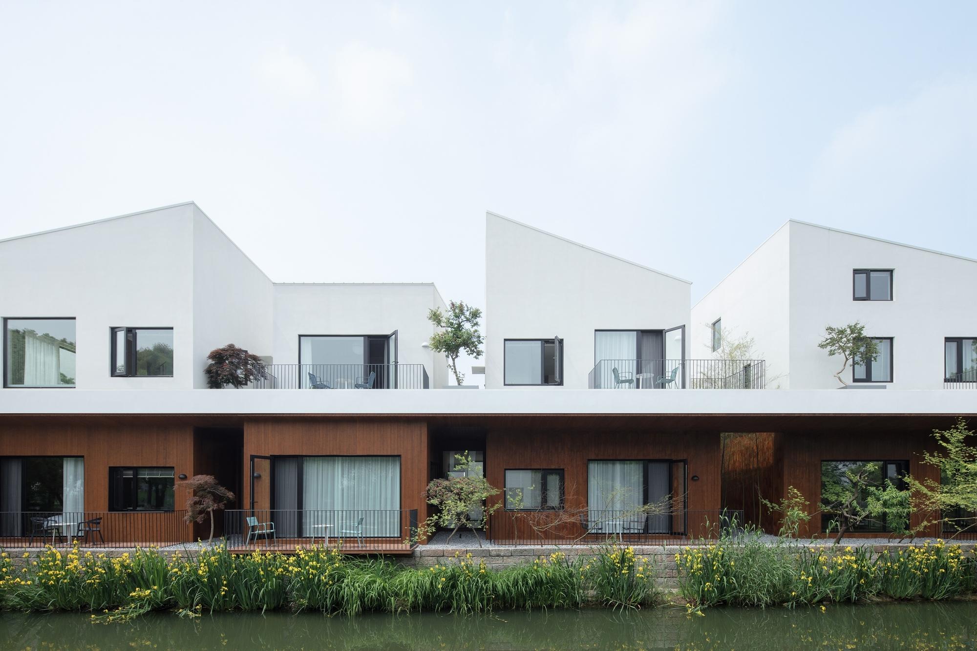 BAN Villa / B.L.U.E. Architecture Studio