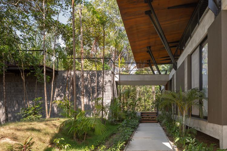 Casa Tarumã / Laurent Troost Architectures, © Joana França
