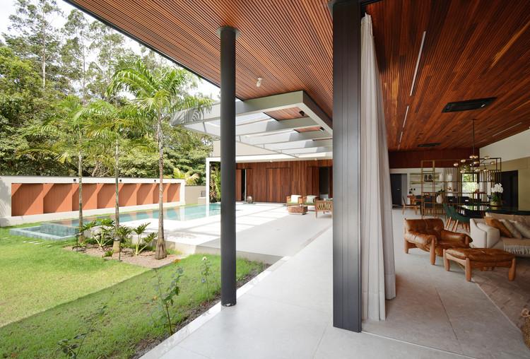Forest House / Rogoski Arquitetura. Image © Marcus Camargo