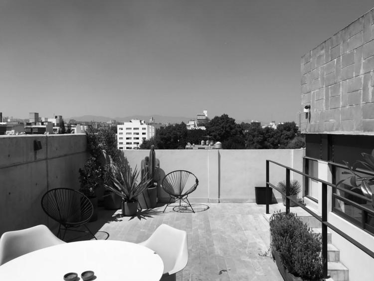 Escandón Terrace / PALMA. Image © Luis Young