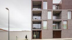 Bloco de Apartamentos - Oporto Anselmo / Arquitectos Aliados