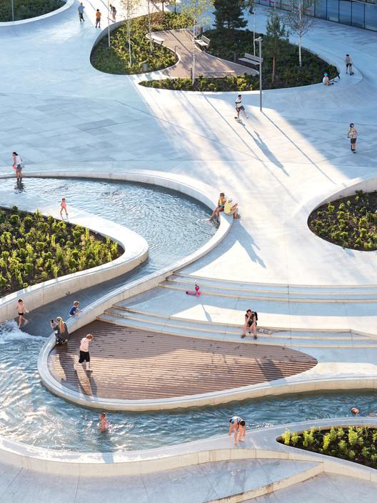 V-Plaza |  Городское развитие .  Изображение предоставлено iF DESIGN AWARD