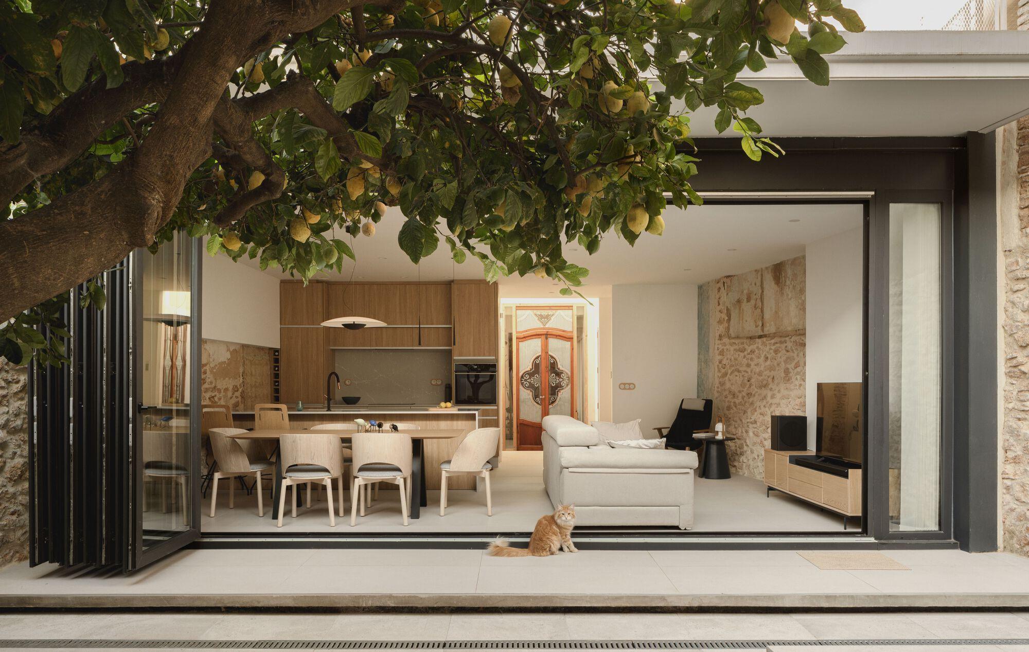 Casa del Calvari / ENDALT Arquitectes