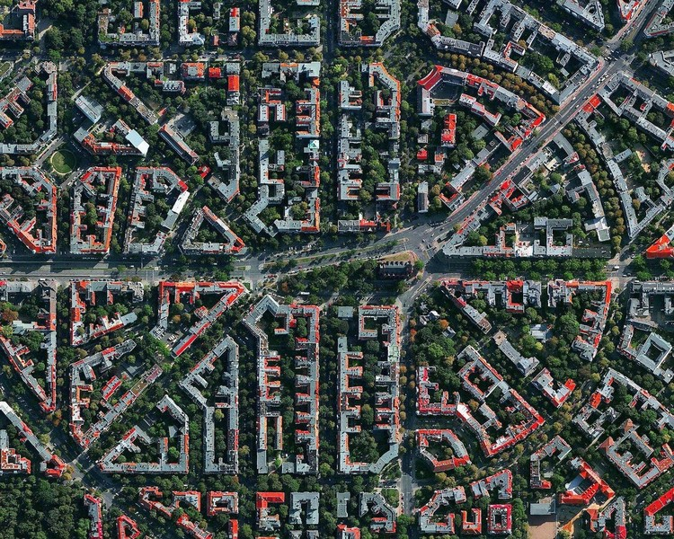 World Architecture Day 2021: Accelerating Urban Action for a Carbon-Free World, Created by @dailyoverview, source imagery: @maxartechnologies. ImageBerlin, Germany
