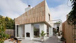 Little Maggie Residence / ROAM Architects