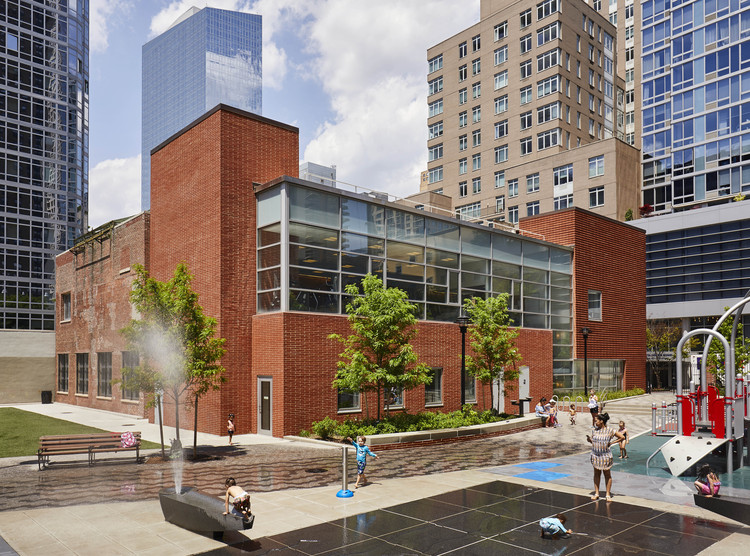 """""""I Would Rather Be Known as an Architect of Elegant Restraint"""": Interview with Belmont (Monty) Freeman, GERTRUDE EDERLE RECREATION CENTER, NYC Department of Parks & Recreation. Image © Jody Kivort"""