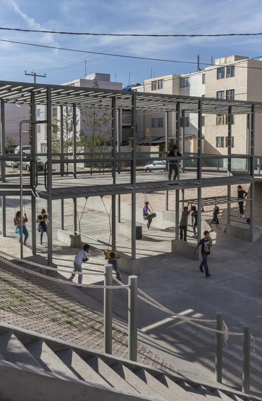 Парк Фреснилло / Розана Монтьель    Estudio de Arquitectura + Алин В. Валлах.  Изображение © Sandra Pereznieto