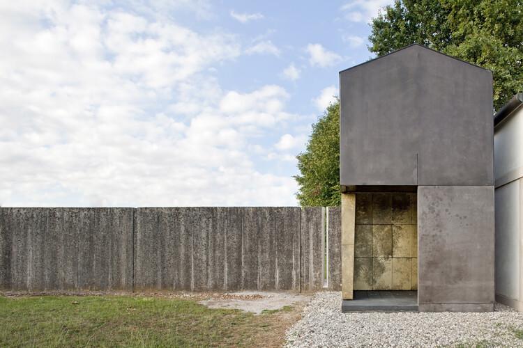 Small Family Chapel / 120 grammi :: laboratorio di architettura, © Alessandra Bello
