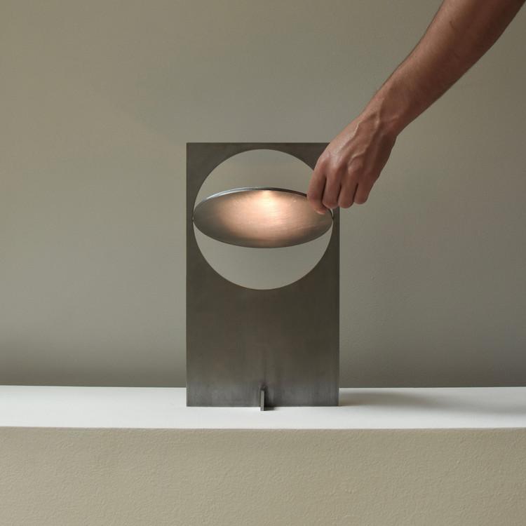 Лампа Obj01.  Изображение предоставлено премией и конкурсом A 'Design