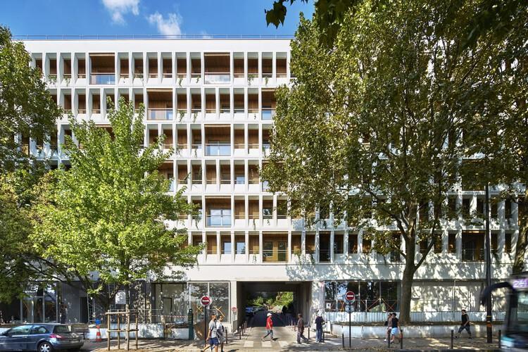 Трансформация офисного здания на 90 квартир от MOATTI-RIVIERE.  Изображение © Michel_Denancé