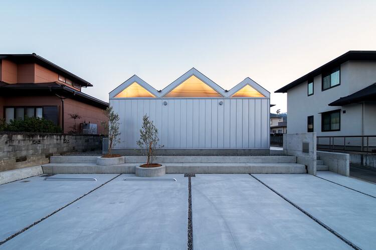 House of Six Lightened Ceilings / Yusuke Ando Architects, © Taisuke Tsurui