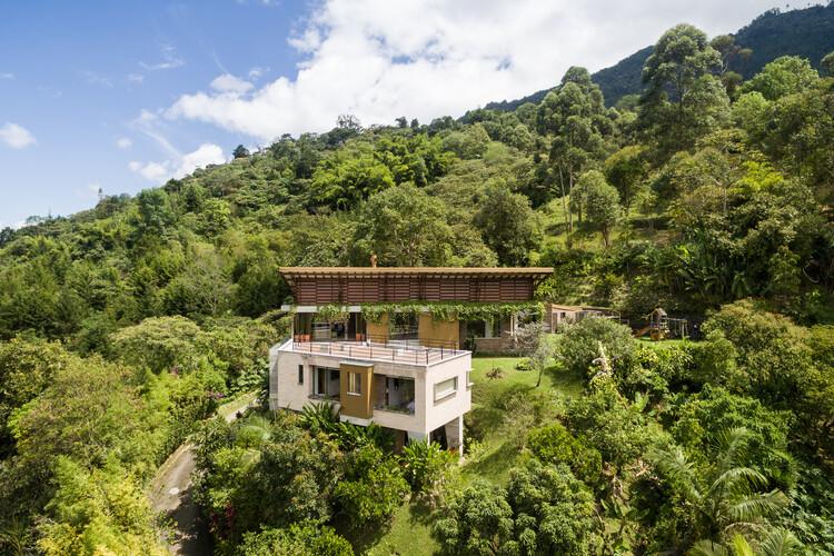 Casa el almendral / ALSE Taller de Arquitectura + Luz Marina Restrepo Pérez, © Isaac Ramírez Restrepo