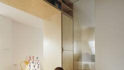 Casa de un solo armario / Tomás García Píriz Studio