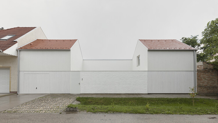 White Arrow House / Théque Atelier, © Balázs Danyi