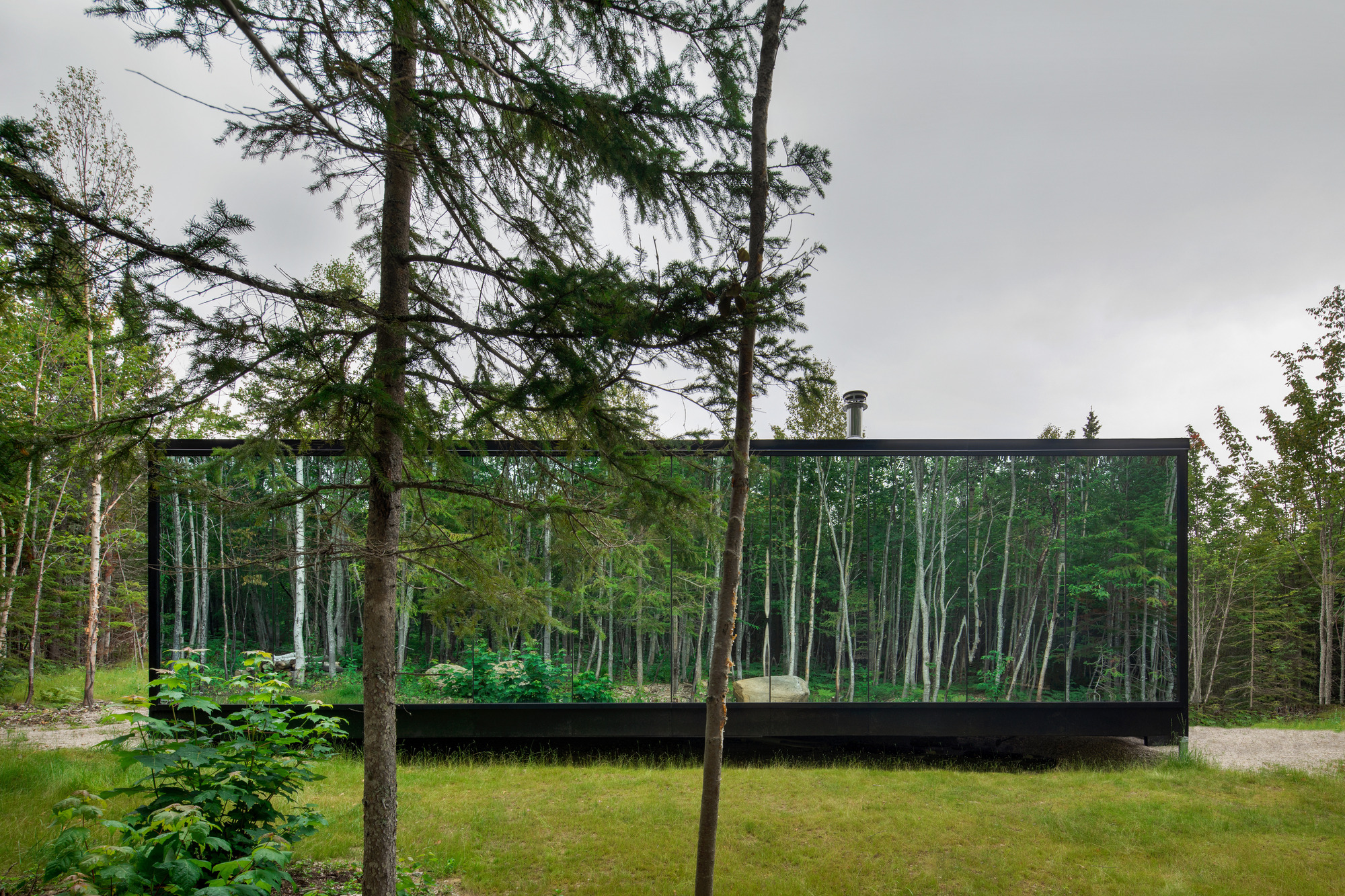 Forest Glamp / Bourgeois / Lechasseur architects